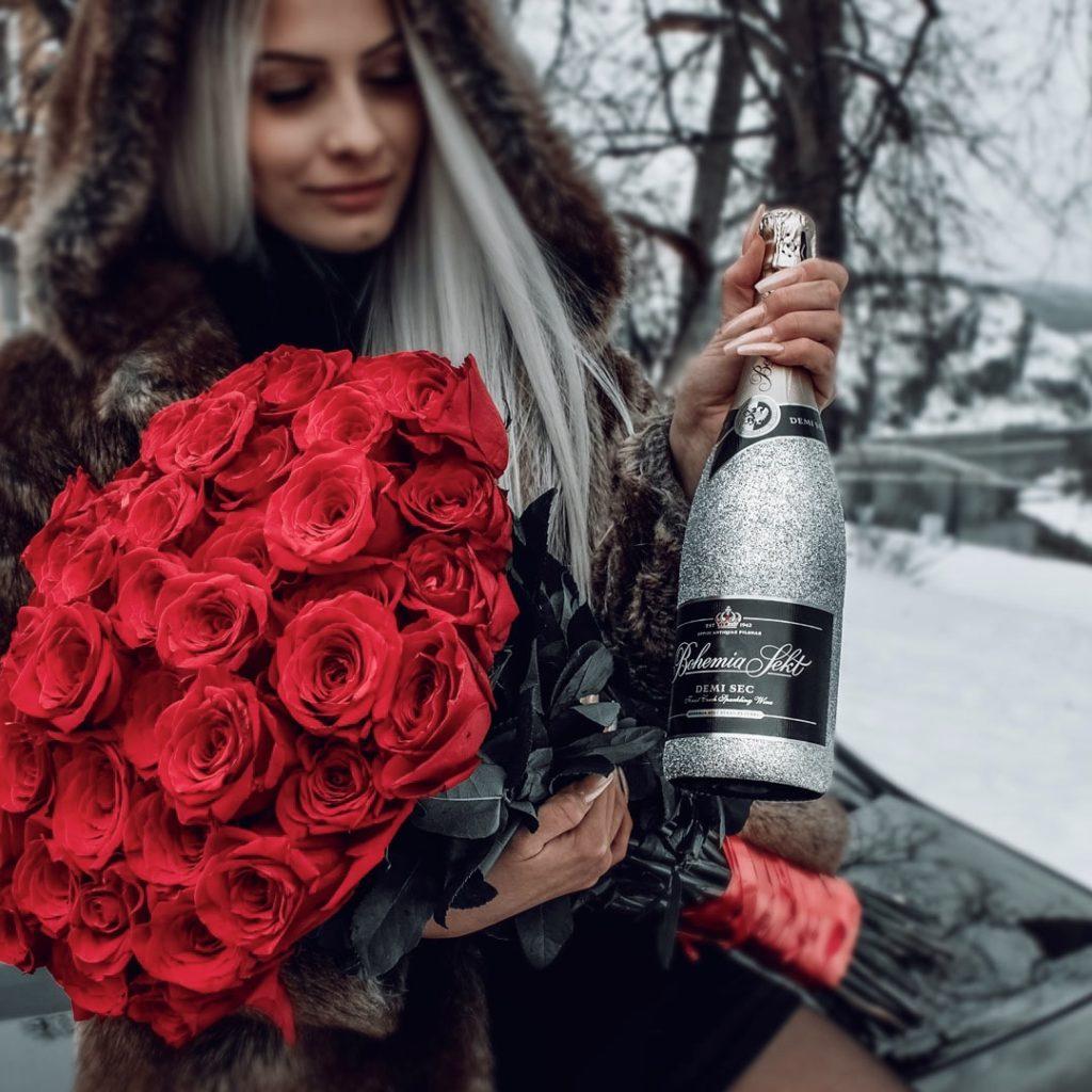 Bohemia Sekt se stříbrnými třpytkami a růžemi